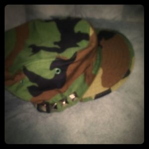 7 1/4 Studded Camo Hat